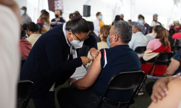 Mexico's doctors protest as vaccines denied to frontline health workers
