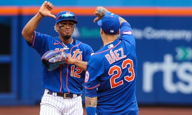Mets players give own fans the thumbs down to 'let them know how it feels'